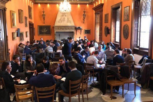 A meeting of the politics formation school Comunità di Connessioni at La Civiltà Cattolica